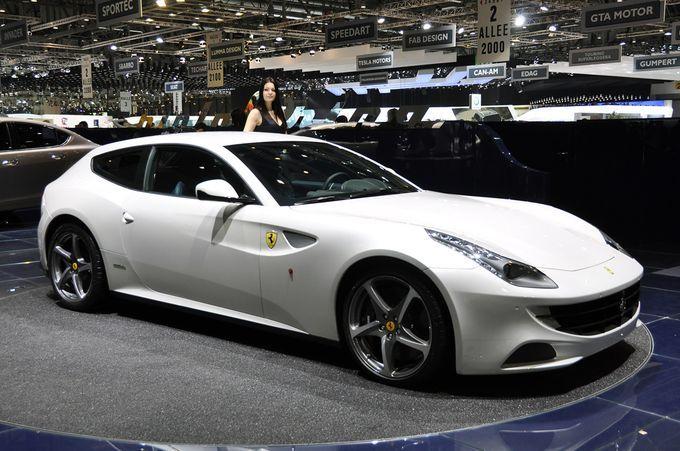 Σαλόνι Αυτοκινήτου Γενεύης 2011 - Ferrari FF