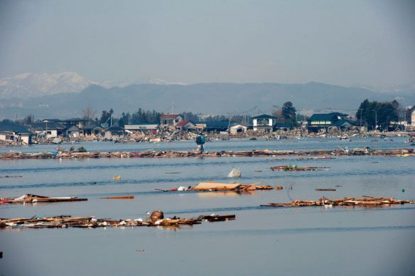 Οι χειριστές του Φουκουσίμα άρχισαν την άντληση ραδιενεργού ύδατος
