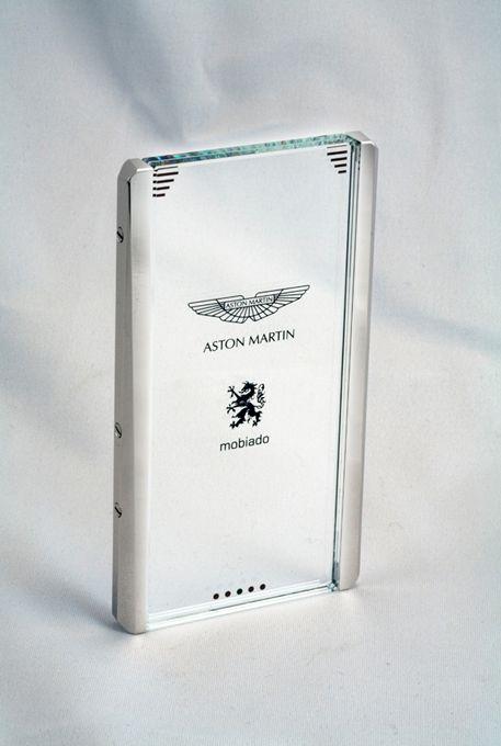 Concept τηλεφώνου Mobiado CPT002 Aston Martin