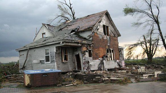 Deadly tornadoes kill dozens in US