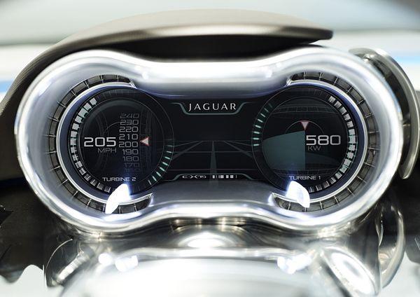 Jaguar C-X75-speedometer