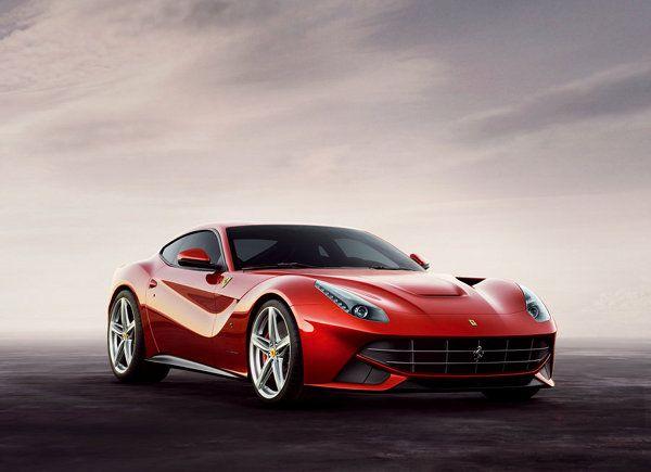 Νέα Ferrari F12 Berlinetta