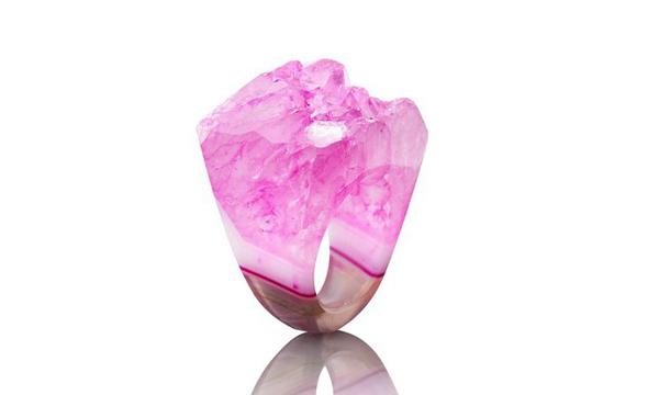 Όμορφα  Κρυστάλλινα Δαχτυλίδια από τη Joya