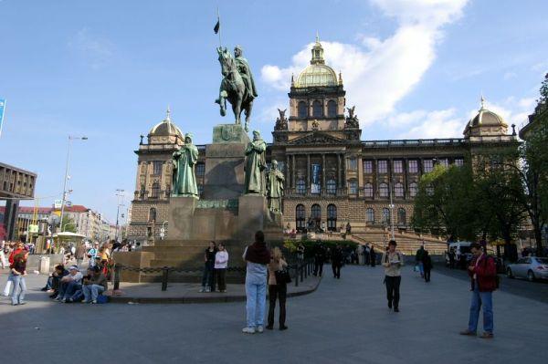 Ένα Ταξίδι στην Όμορφη Τσεχία-Πλατεία Βενκεσλάς