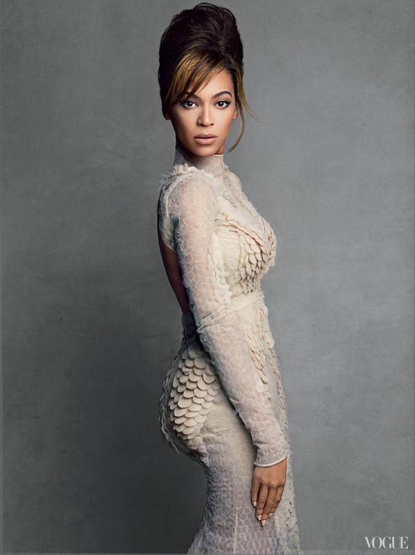 Η Beyonce στο εξώφυλλο της Vogue της ΗΠΑ