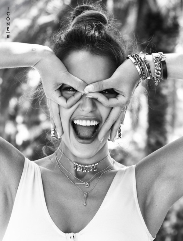 H Jessica Alba στο Glamour της Γαλλίας
