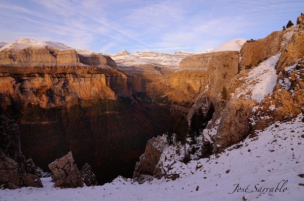 Η Εκπληκτική Θέα στα Βουνά από τον José Sarrablo