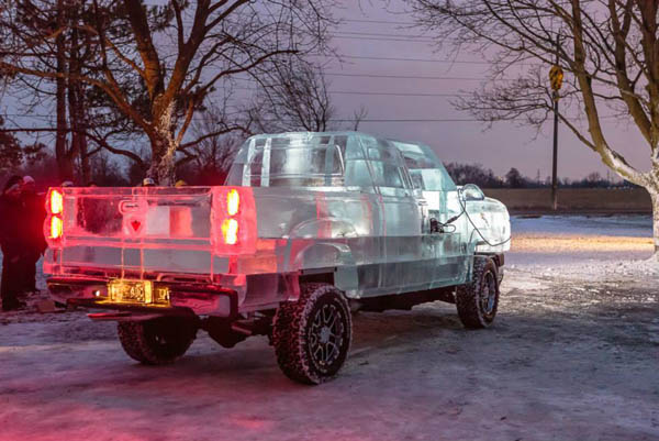 Φορτηγό από Πάγο, κι όμως Λειτουργεί