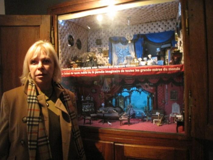 Η  Larisa Leonidovna Drozdova στο μουσείο Alexis Forel  στην Μόργκες στην Ελβετία.
