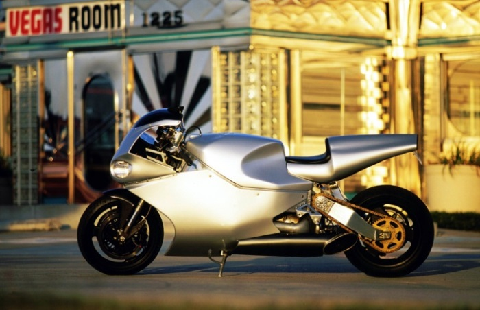 MTT Turbine Superbike Y2K-Με 227 μίλια ανά ώρα