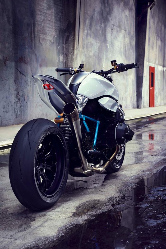 Η Μηχανή Από Άλλη Διάσταση:BMW Concept Roadster
