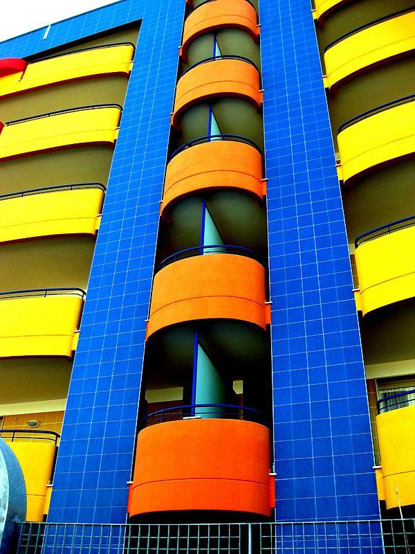 Πολύχρωμα Κτιρια