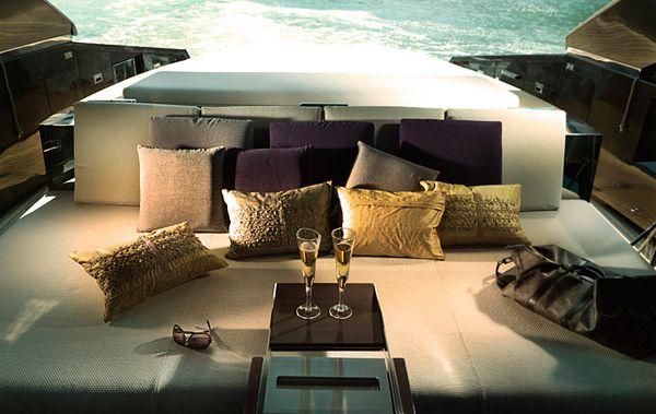 Τέχνη Kinetik Hedonist Yacht