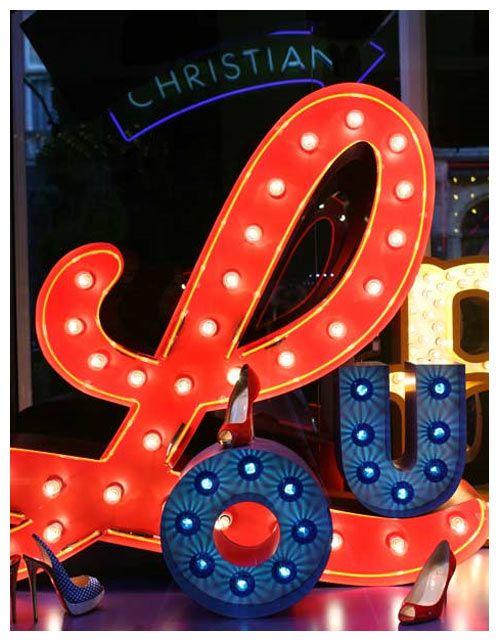 Βιτρίνα Louboutin στο Λονδίνο