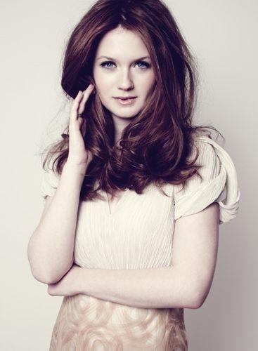 Όμορφη Κυρία Bonnie Wright