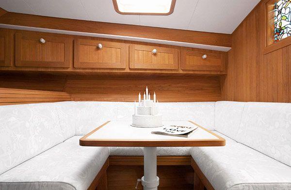 Κομψό Σκάφος Firmship 42 από Στούντιο Job