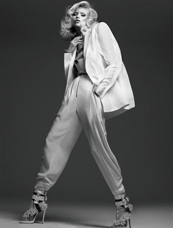 Abby Lee Kirshou στο ρώσικο Vogue