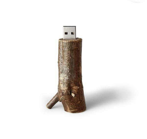 AIAIAI και Libertine Libertine USB Flash Drive