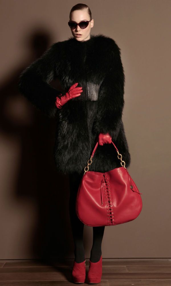 Collection lukbuk Trussardi Fall 2011