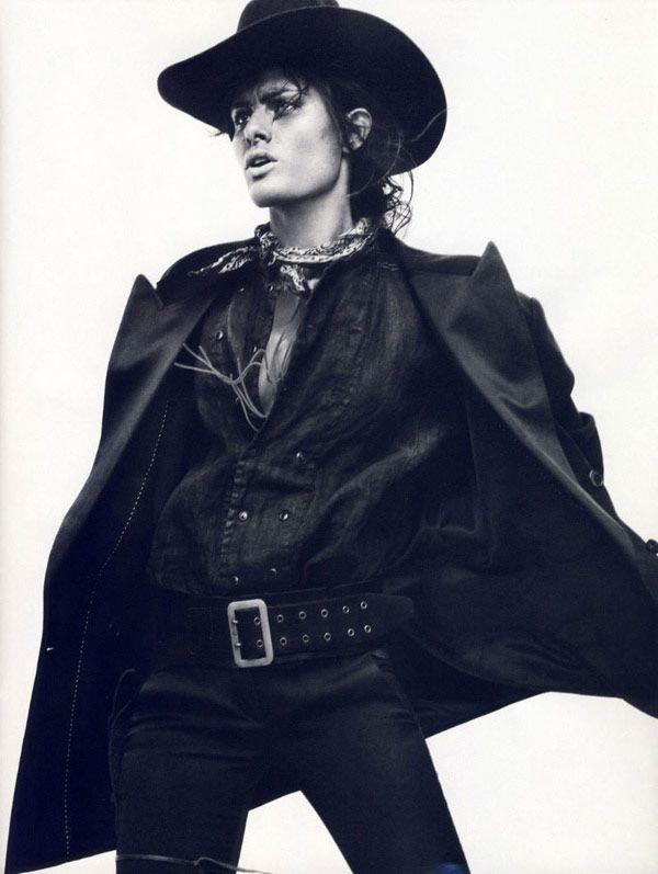 Isabeli Fontana στο παριζιάνικο Vogue