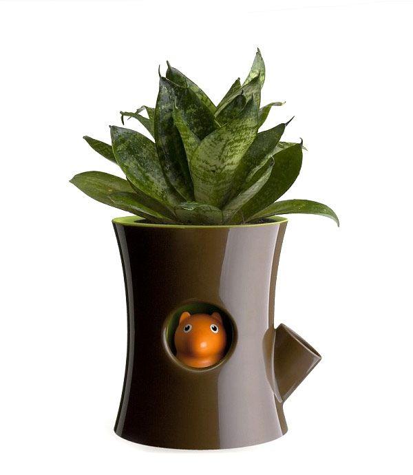 Squirrel Plant Pot by New Arriwa