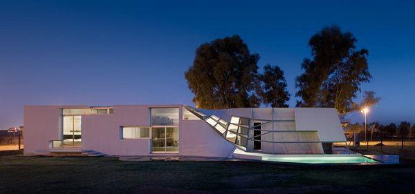 Villa Fyf Residence in Argentina
