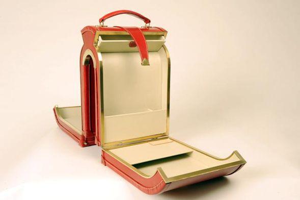 Δημιουργικές βαλίτσες από τη συλλογή του Williams British Handmade