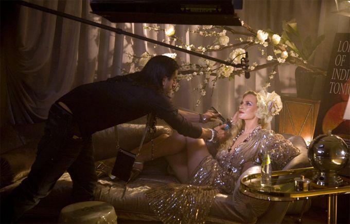 Η Ούμα Θέρμαν και ο David Lachapelle σε διαφήμιση για το Shweppes