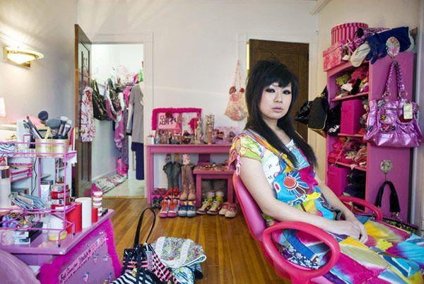 Μια σειρά φωτογραφιών - Tα κορίτσια και τα δωμάτιά τους