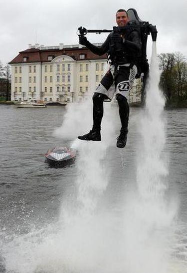 Νιώστε σαν τον James Bond με το Jetlev-Flyer