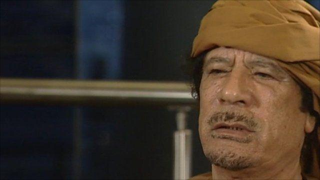 Ο Καντάφι είπε να παραιτηθεί και να βγει από τη Λιβύη