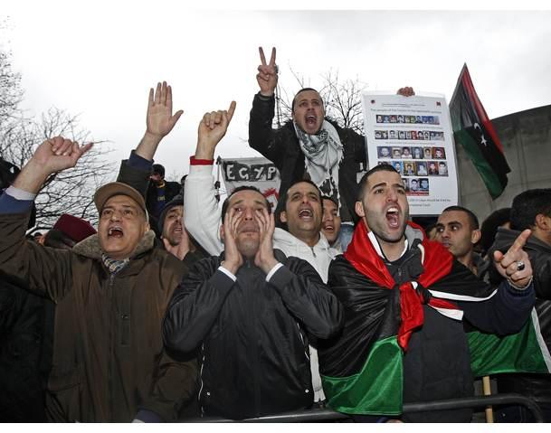 Ο Καντάφι στέλνει απεσταλμένο στην Ελλάδα