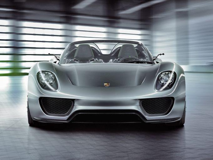 Hybrid supercar Porsche 918 Spyder
