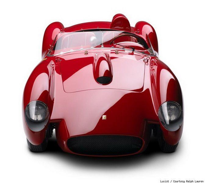 Έκθεση συλλεκτικών αυτοκινήτων από τον Ralph Lauren