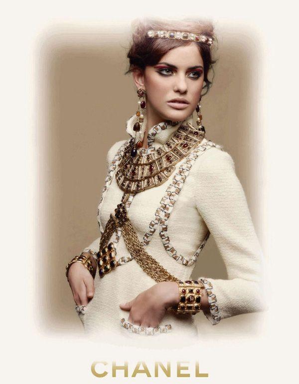 Η Alejandra Alonso στην εκστρατεία της Chanel