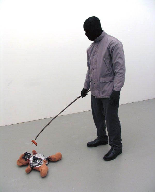 Σύγχρονος καλλιτέχνης Mark Jenkins