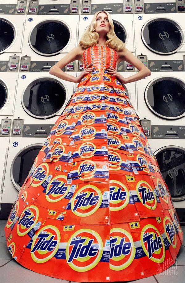 Φόρεμα ασυνήθιστων υλικών στο Virgine Magazine