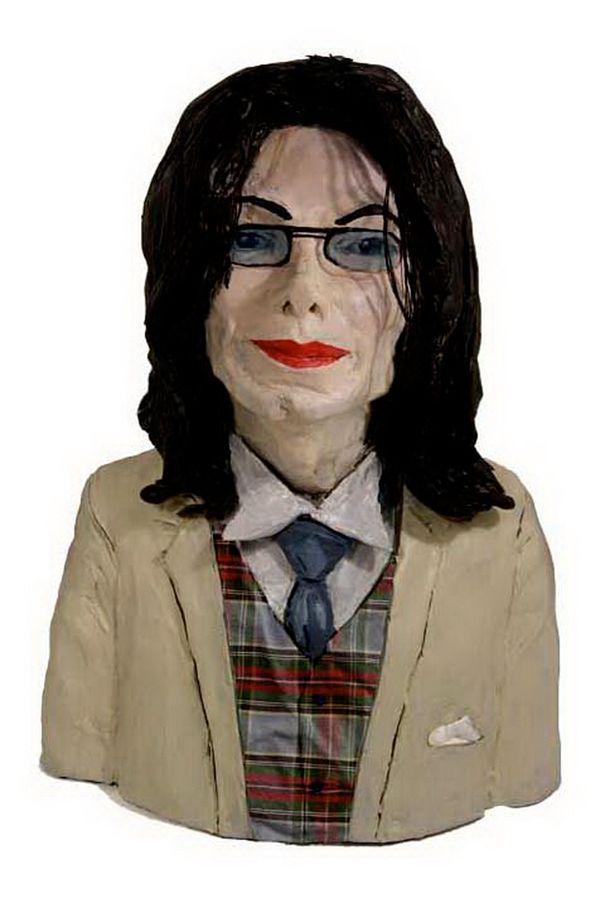 Sculptor Karen Caldicott