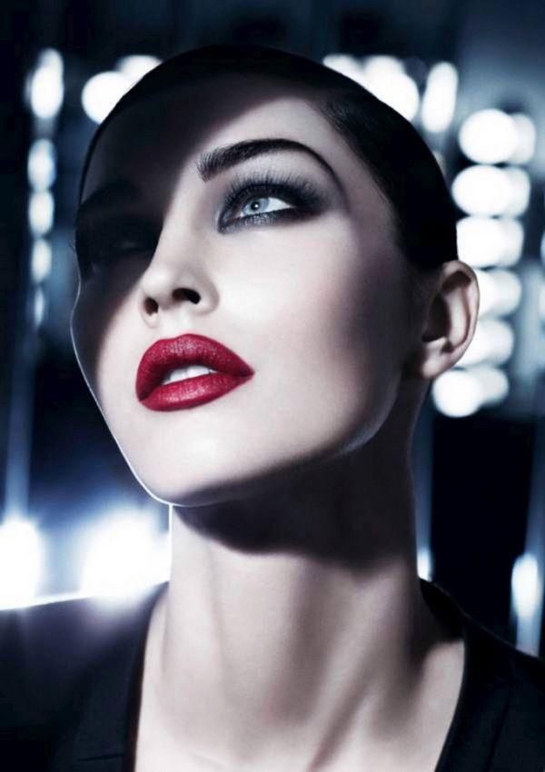 Μέγκαν Φοξ (Megan Fox) σε μια διαφημιστική παρουσίαση για το Giorgio Armani Beauty 2011