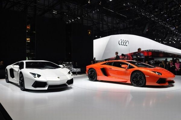 Lamborghini Aventador LP700-4 - Πορτοκαλί και άσπρο στην έκθεση