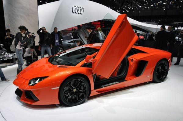 Lamborghini Aventador LP700-4 - Στην έκθεση