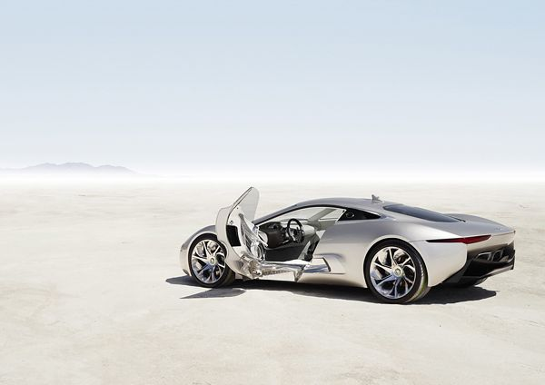 Jaguar C-X75-leftside-01