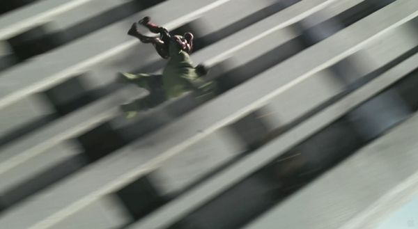 The-Avengers-Hulk-saving-iron-man