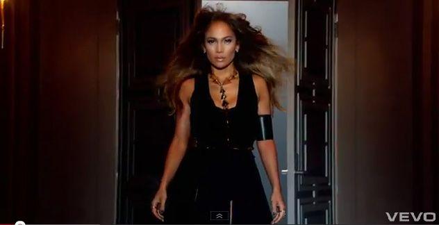 Jennifer Lopez feat Pitbull-Dance Again-03