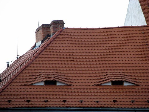 Βλέπω Παντού Πρόσωπα