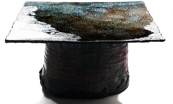 """""""Έξι Τραπέζια στο Νερό"""" από τον Gaetano Pesce"""