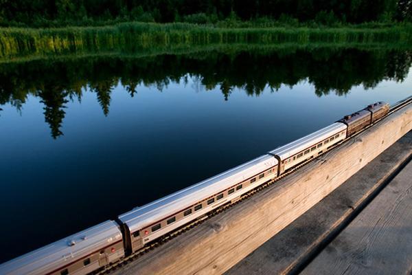 Ο Καναδός: Το Τραίνο Φάντασμα Διασχίζει τον Καναδά