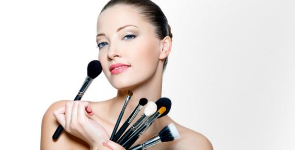 Δέκα Προτάσεις Για Μακιγιάζ