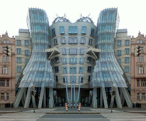 Ένα Ταξίδι στην Όμορφη Τσεχία-Κτίριο Tančící Dům