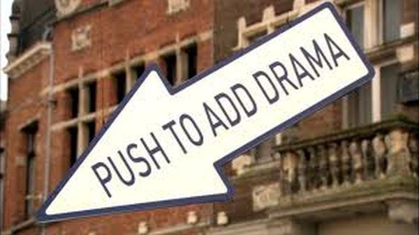 Πατήστε το Κουμπί για λίγο Drama